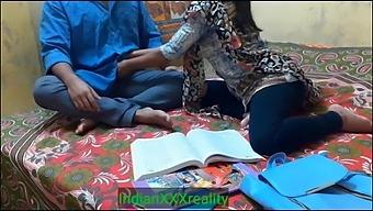 Lockdown Me Ghar Me Padne Aayi Student Ko Masterji Ne Choda